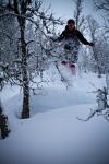 Erlend flyr i Sogndal. Bildet er tatt av Yngve Nordskag.