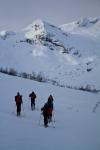 På vei innover i Frudalen med ski og skred workshop. Bildet er tatt av Yngve Nordskag.